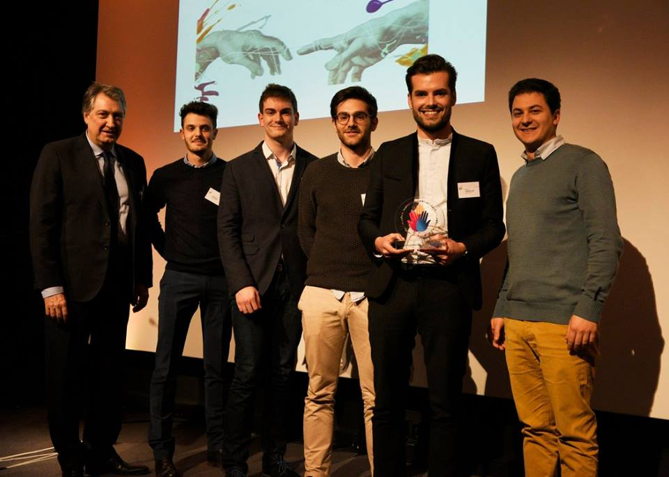 Entrepreneurship: Domos Kit wins the Innovative Services Trophy!